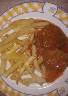 Μοσχαράκι κοκκινιστό με πατάτες τηγανιτές!!
