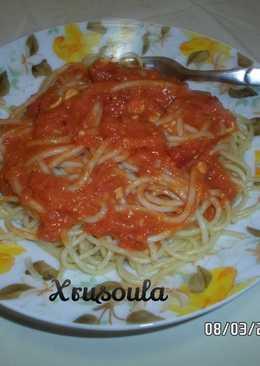 Σπαγγέτι με σάλτσα ντομάτας και Πεκορίνο Αμφιλοχίας