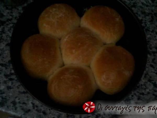 Ψωμάκι μαργαρίτα: γρήγορο κι αφράτο