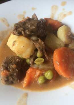 Βοδινό στιφάδο - beef stew