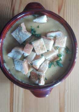 Ρεβύθια βελουτέ και κρουτόν
