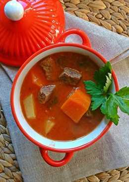 Σούπα βοδινού με καρότο, πατάτες και σέλινο