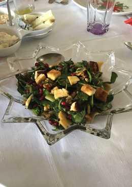 1γ Χριστουγεννιάτικη πράσινη σαλάτα με ρόδι Αντώνης