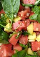 Σαλάτα με καρπούζι μίνι, σπανάκι μπέιμπι και μάνγκο