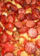 Λαχανικά με λουκάνικα στον φούρνο