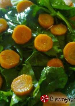 Σπανάκι με καρότο και χυμούς