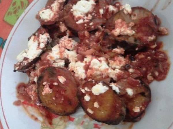 Μελιτζάνες στο φούρνο με φέτα