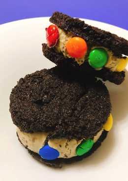 Oreo sandwich - Παγωτό με M&Ms