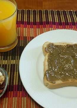 Δυναμωτικό πρωινό με ωμούς ξηρούς καρπούς και ταχίνι με μέλι