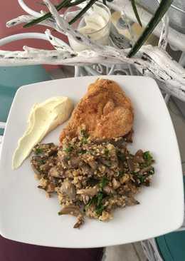 Σαλάτα πλιγούρι πλευρώτους και φιλέτο κοτόπουλο με μους γιαούρτι