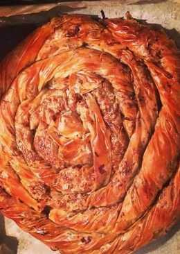 Γλυκειά κολοκυθόπιτα με σταφίδα και καρύδια