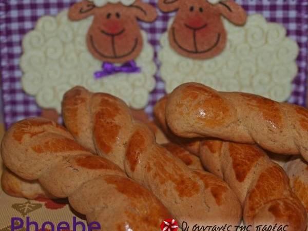 Πασχαλινά κουλουράκια με άρωμα κανέλας