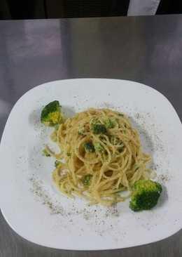 Spaghetti με φύτρες λαχανικών