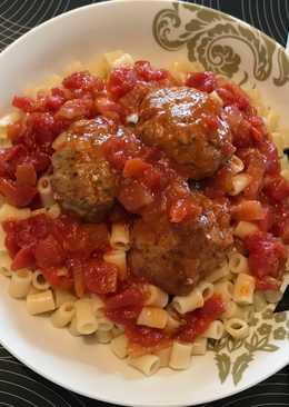 Κεφτεδάκια φούρνου σε σάλτσα ντομάτας