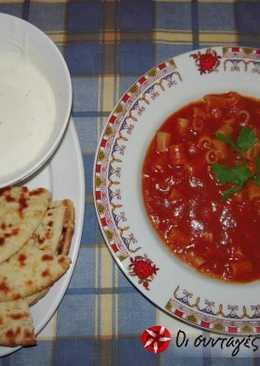 Ντοματόσουπα με ντιπ γιαουρτιού