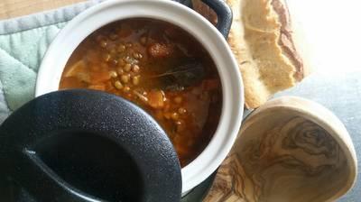 Φακές σούπα με δαφνόφυλλα και καρότο
