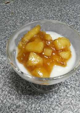 Κρέμα αραβοσίτου με μήλα καραμελωμένα
