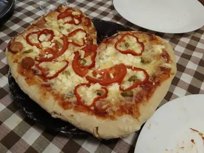 Πίτσα με φανταστική ζύμη!