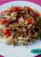 Σκορδάτη μακαρονάδα με μανιτάρια