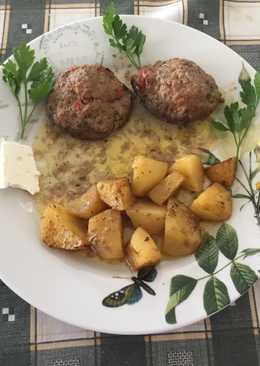 Μπιφτέκια στο φούρνο με πατάτες Αντώνης