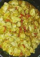 Κοτομπουκιές με σως μουστάρδας και πολύχρωμες πιπεριές