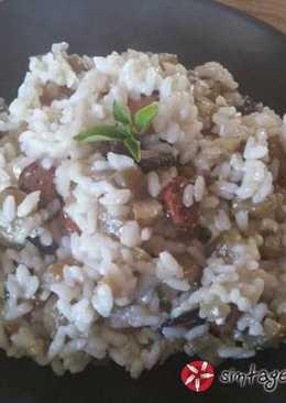 Ριζότο με μελιτζάνα και λουκάνικο