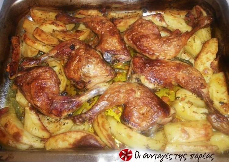Ζουμερά μπουτάκια κοτόπουλου με πατάτες φούρνου