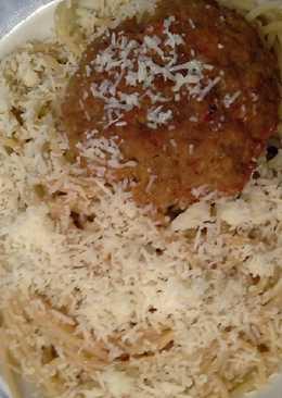 Μπιφτέκια κοκκινιστά στον φούρνο με μακαρόνια #κυριακάτικο