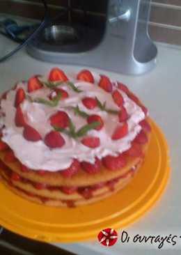 Καλοκαιρινή και ελαφριά τούρτα φράουλα απο τον Άκη
