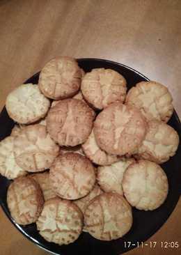 Εύκολα μπισκότα με χριστουγεννιάτικη διάθεση