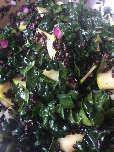 Σαλάτα Λαχανίδα (κέιλ) με μαύρο ρύζι