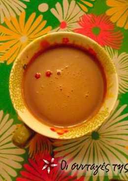 Ζεστό ρόφημα σοκολάτας με ροζ πιπέρι και τσίλι