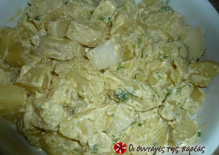 Πατάτες βραστές με σως γιαουρτιού