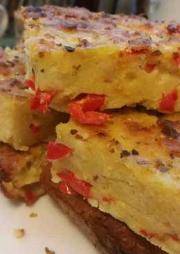 Τυρόπιτα με μπέικον, ροκφόρ και πιπεριά
