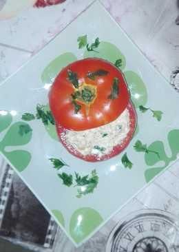 Ντομάτα γεμιστή