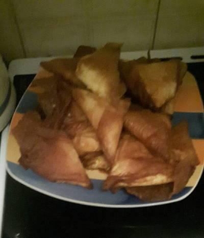 Τρίγωνα τυροπιτάκια τηγανιτά