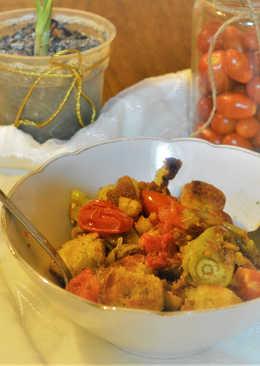Σαλάτα με ψημένο ψωμί και λαχανικά