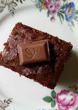 Κέικ με πλούσια σοκολάτα γάλακτος και λικέρ Baileys, χωρίς μίξερ!