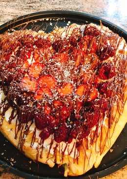 Valentine's dessert pizza - Σοκολάτα,μασκαρπόνεκαι φρούτα δάσους