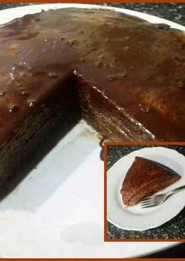 Πανεύκολη τούρτα σοκολάτας με κρέπες