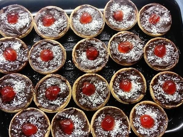 Κούπες – μπισκότο με ganache και γλυκό του κουταλιού