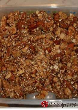 Σπιτικά δημητριακά με ξηρούς καρπούς