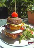 Το σπιτικό tower burger