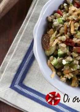 Φακές σαλάτα με λαχανικά και ανθότυρο