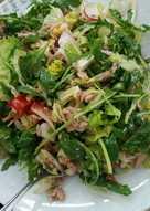 Σαλάτα ρόκα με τόνο και σάλτσα μουστάρδας με άνηθο (βινεγκρέτ)