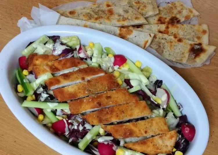 Chicken salad με πιτούλες-pizzabrot