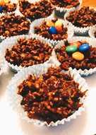 Crunchy μπουκιές με σοκολάτα και cornflakes