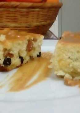 Κέικ με σταφίδες και καραμέλα