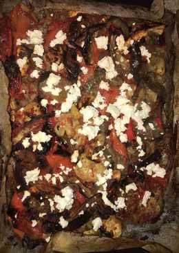 Μελιτζάνες και πιπεριές με σάλτσα ντομάτας και τριμμένη φέτα   #εξετάσεις #ΒάλεΈναΧεράκι