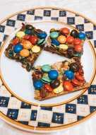 Rainbow cookies με καρύδια, ινδοκάρυδο και M&Ms